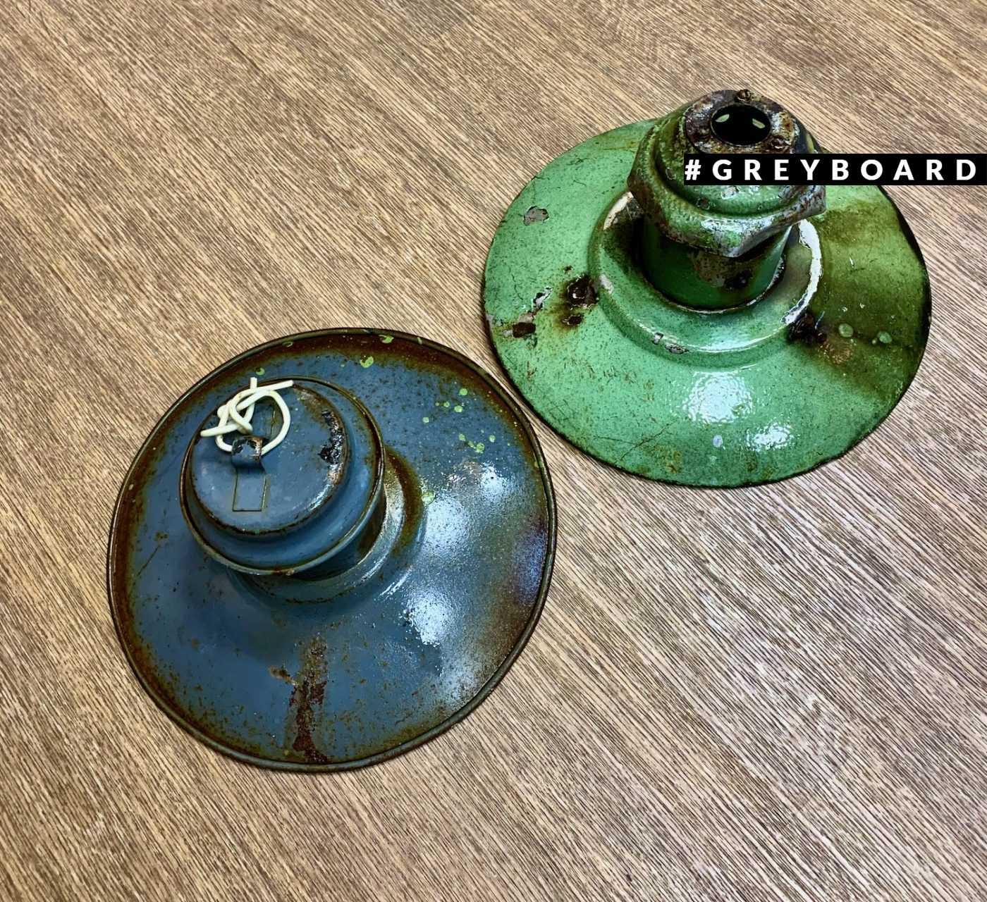 Старинные эмалированные фонари