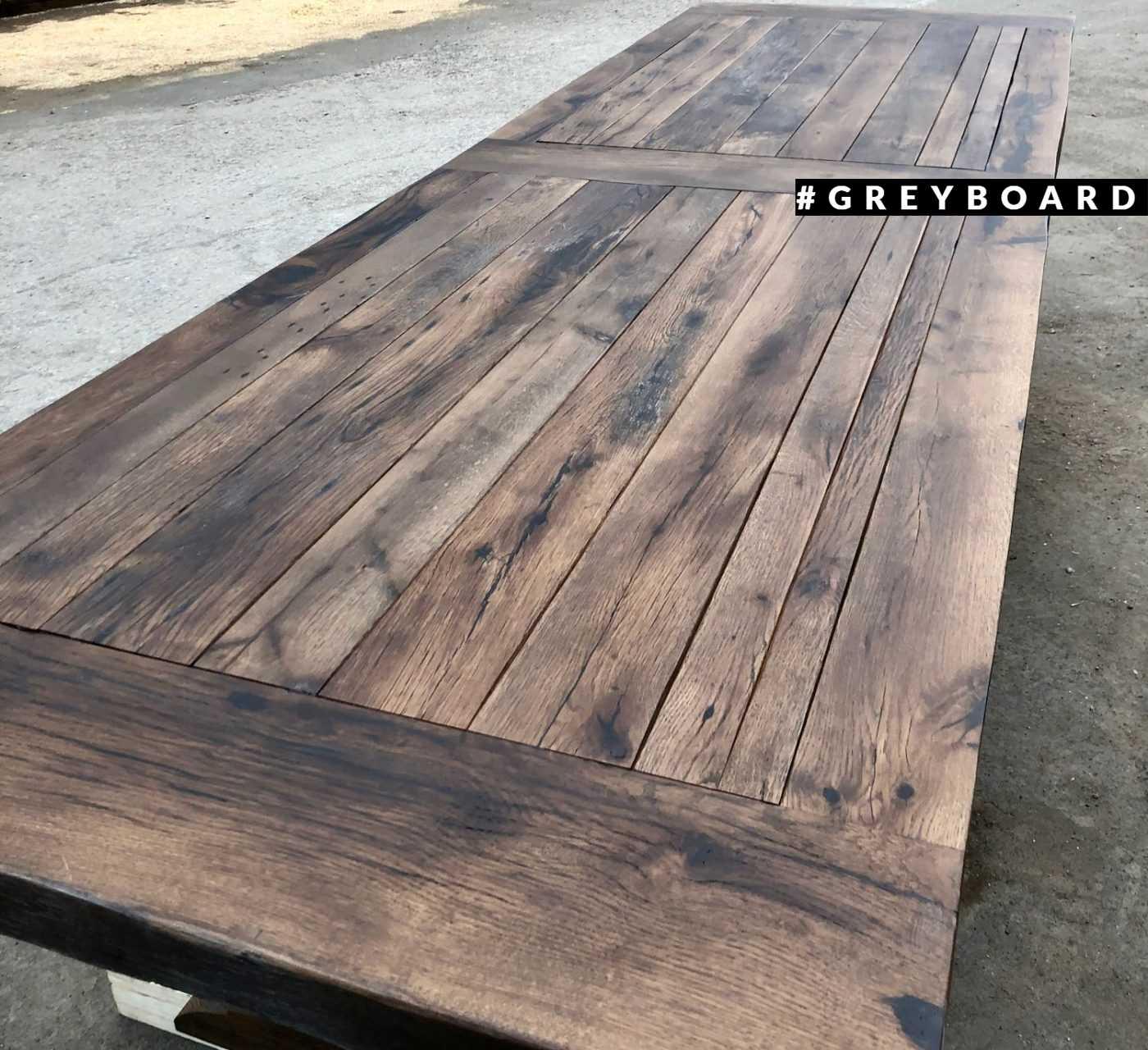 Огромный стол из амбарного дуба