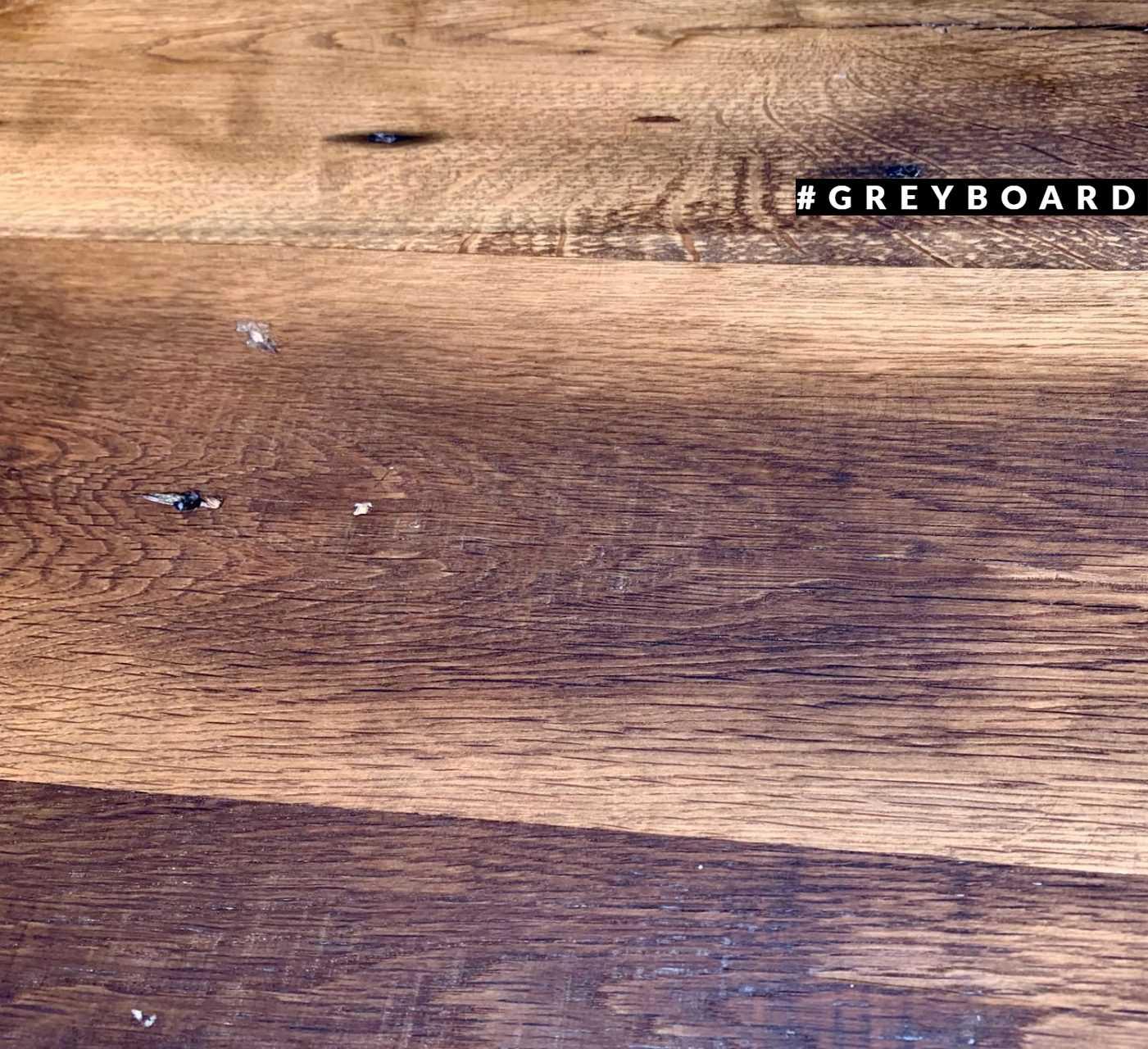Столешница из амбарной доски для ресторана