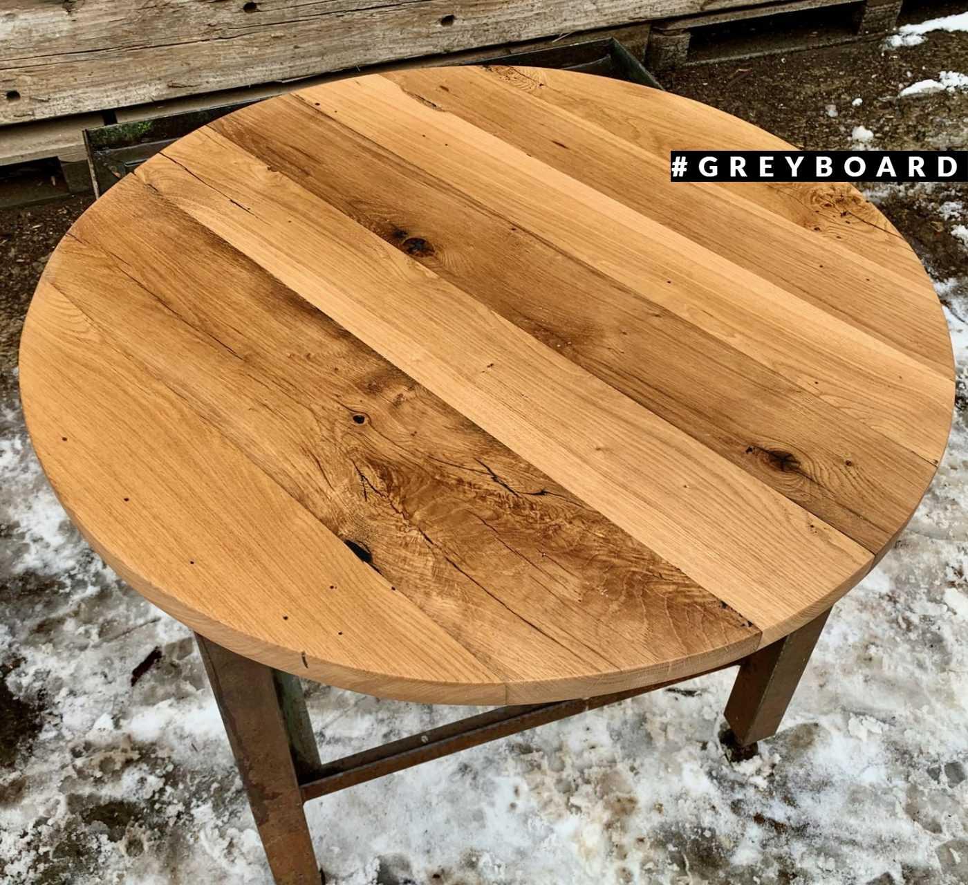 Медово-коричневая столешница из старой доски