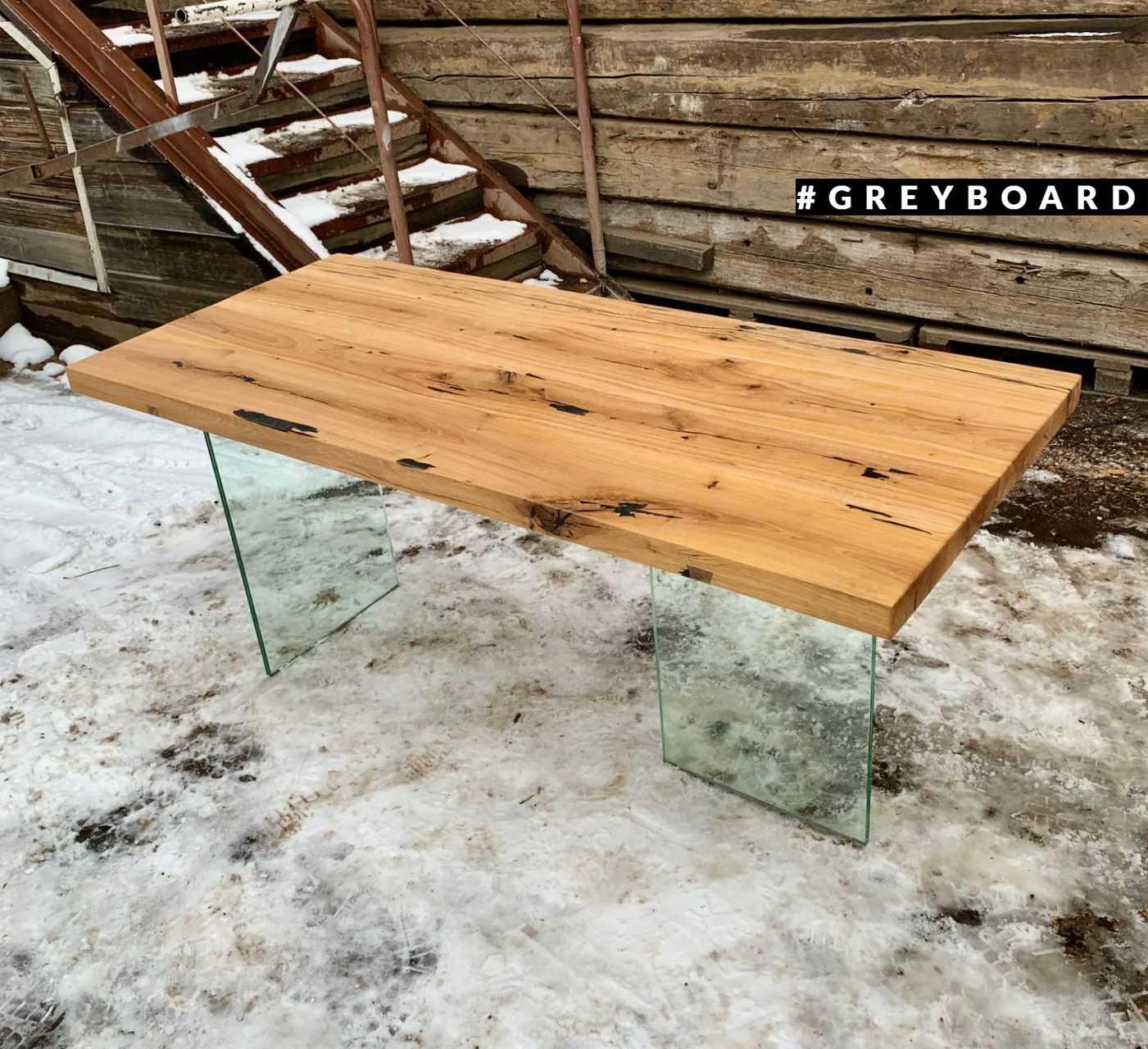 Дубовый стол со стеклянным подстольем