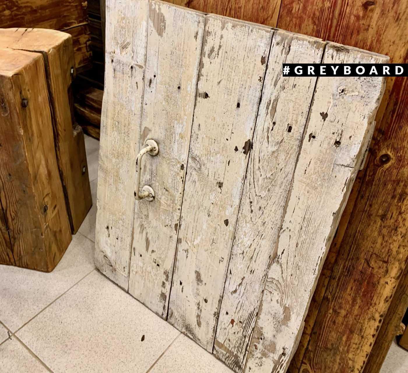 Дверка-фотофон из старой доски