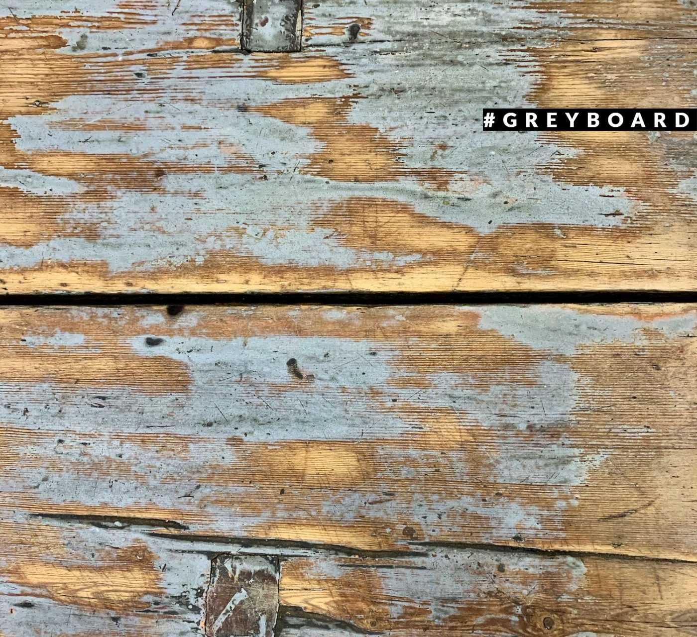 Старинная столешница из хвойной доски
