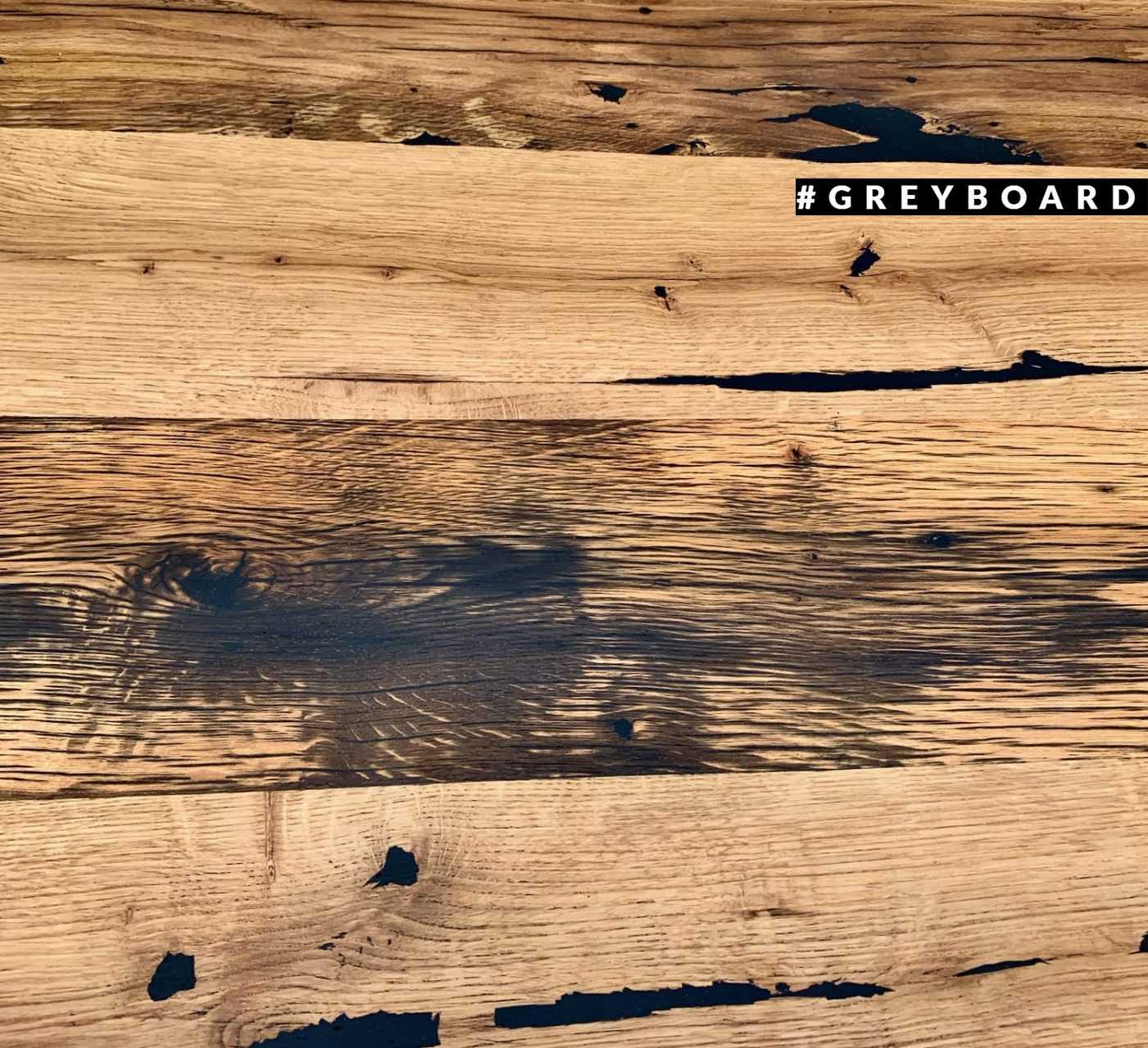 Фактурная столешница из старой дубовой доски