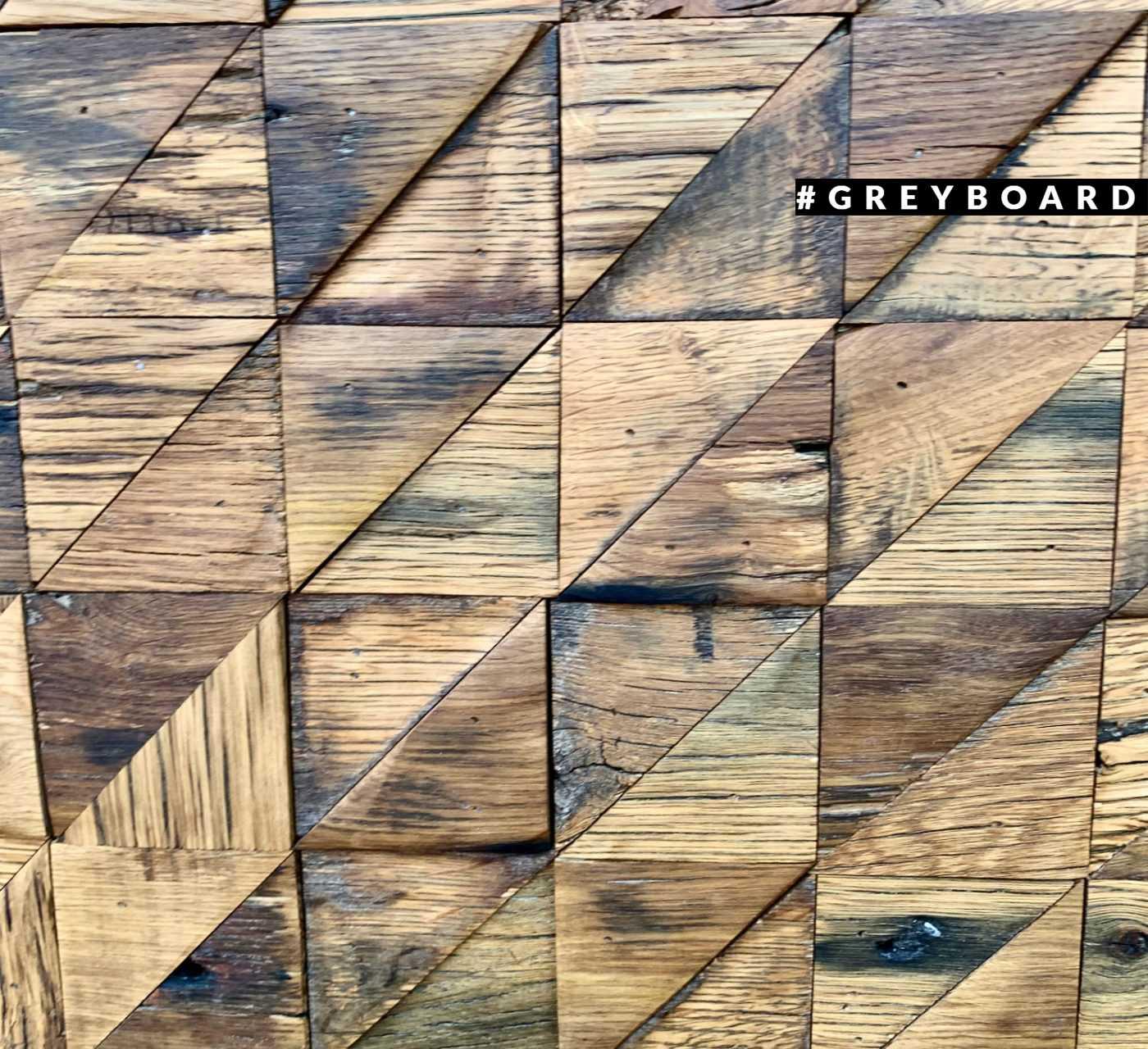 Геометричное паннно из амбарной доски