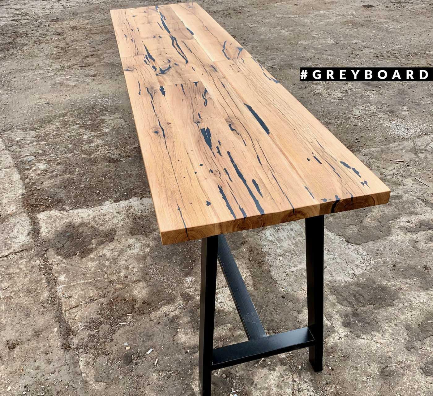 Барный стол из старой доски