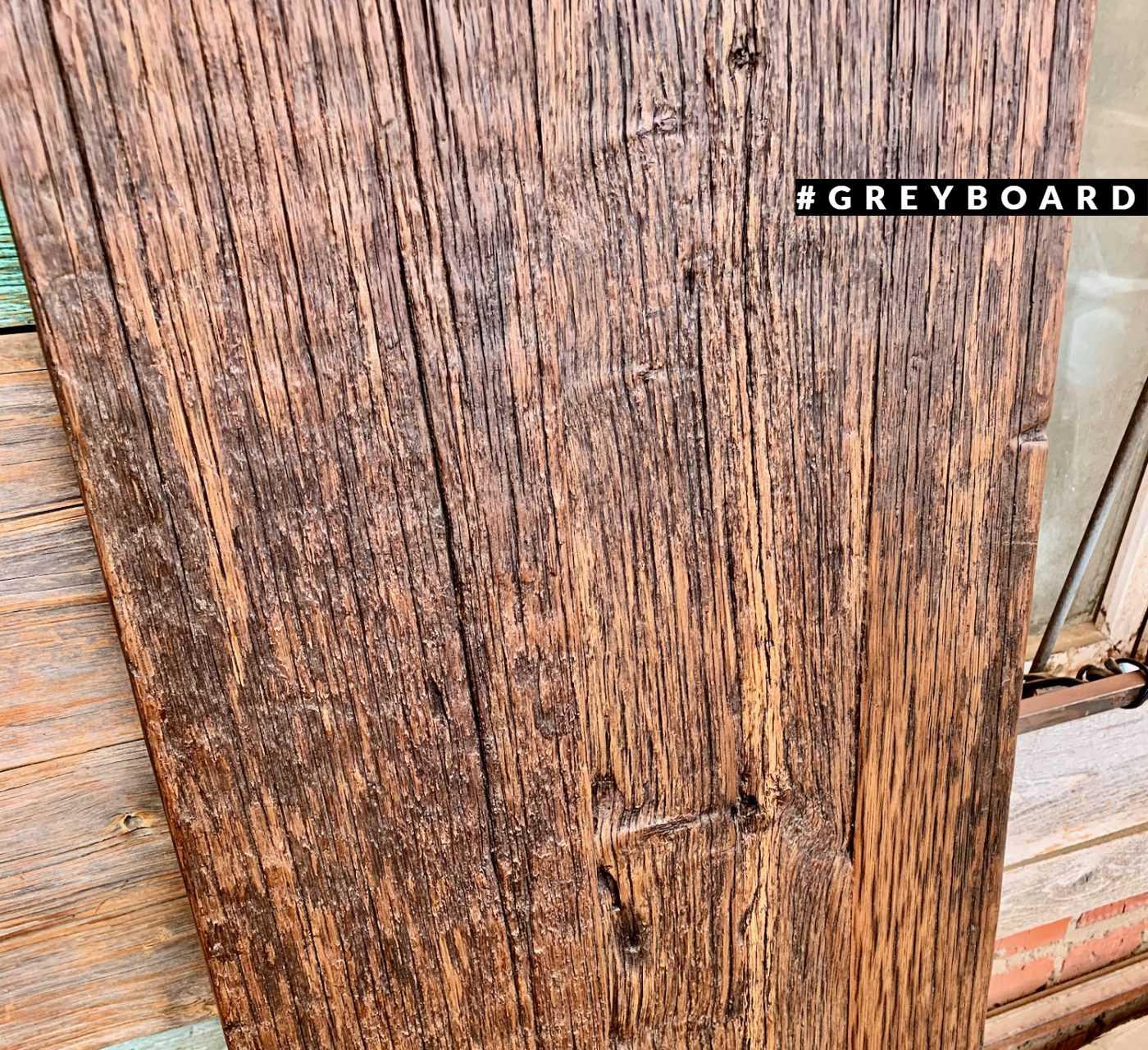 Брутальная столешница из старой доски