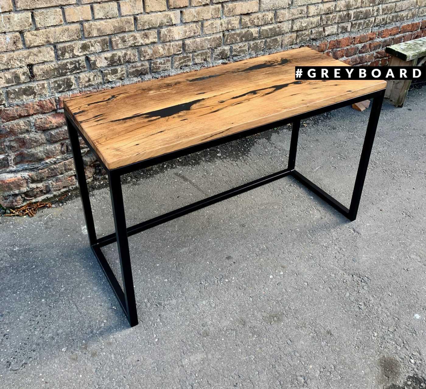 Рабочий стол из дубовой старой доски