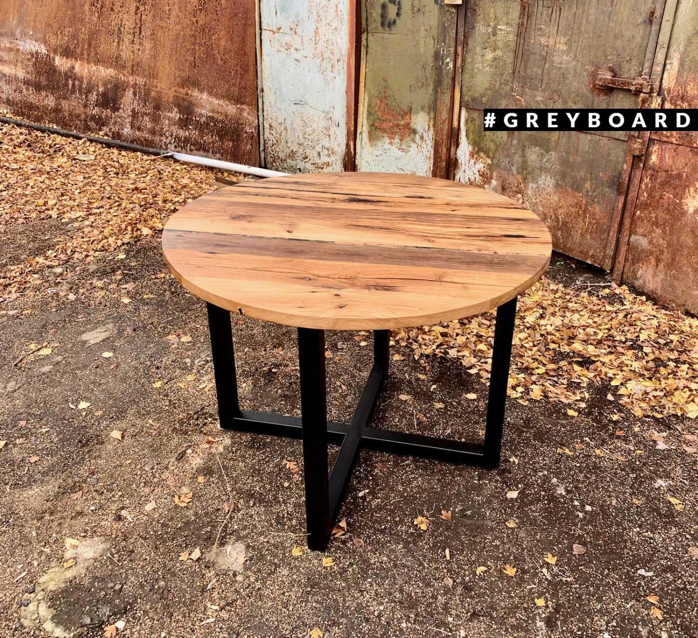 Стильный круглый стол из старого дуба