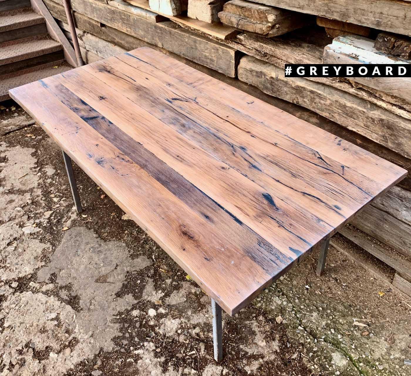 Столешница из старой доски для поклонников стиля лофт