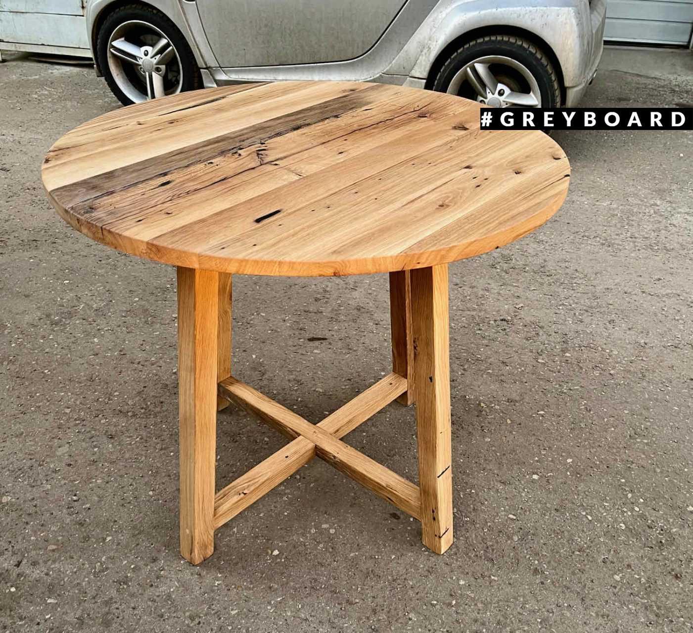 Дубовый стол в скандинавском стиле