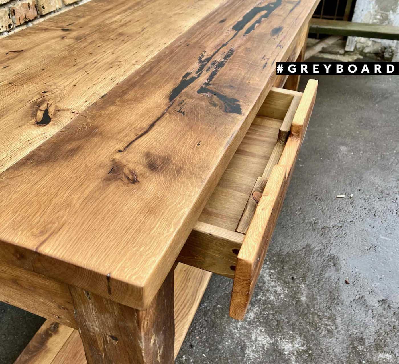 Стол-верстак из амбарной дубовой доски