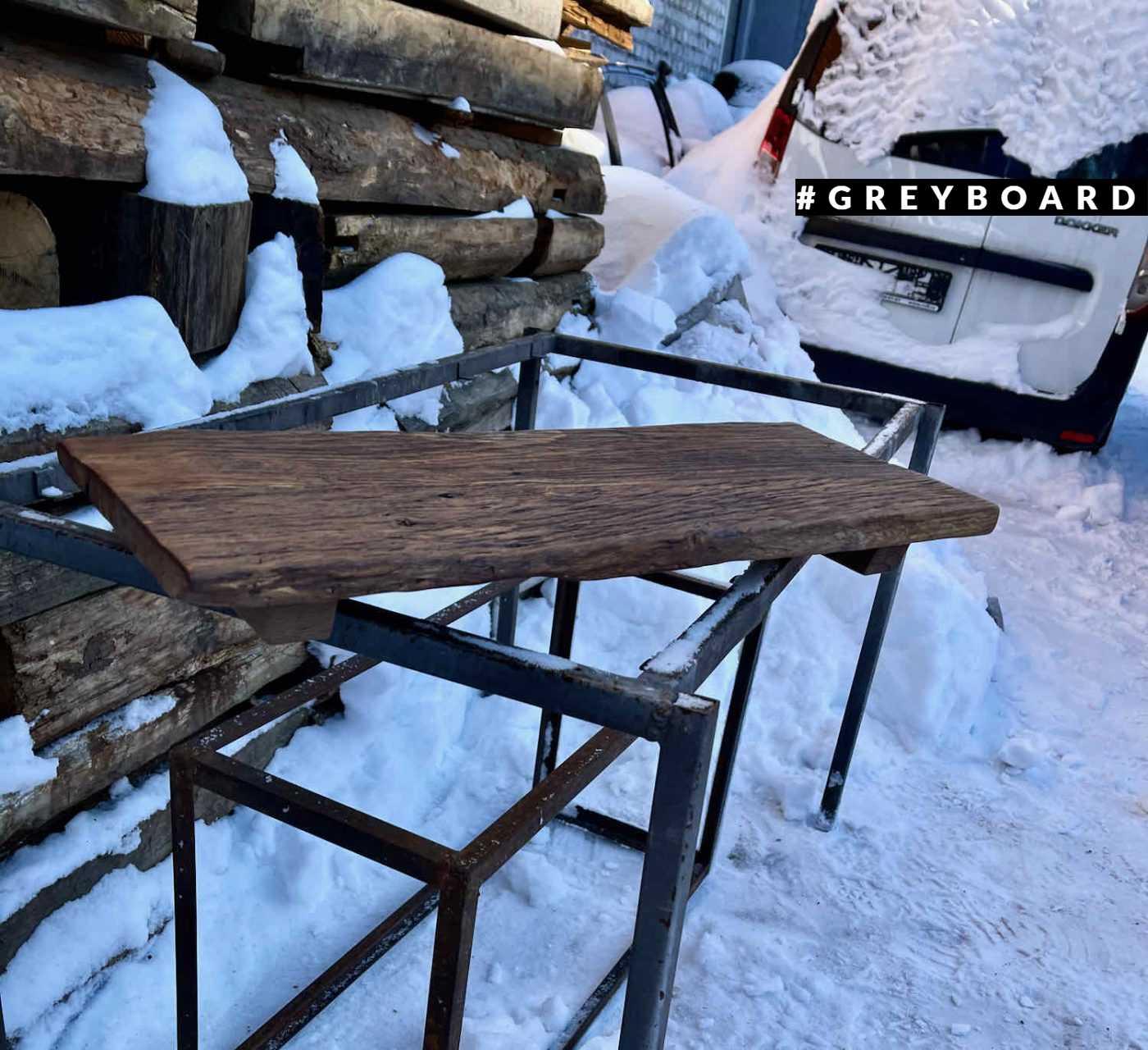 Столешница из старой фактурной доски