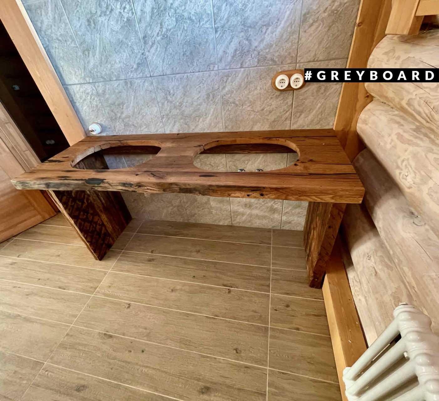 Консоль из амбарной доски для ванной комнаты