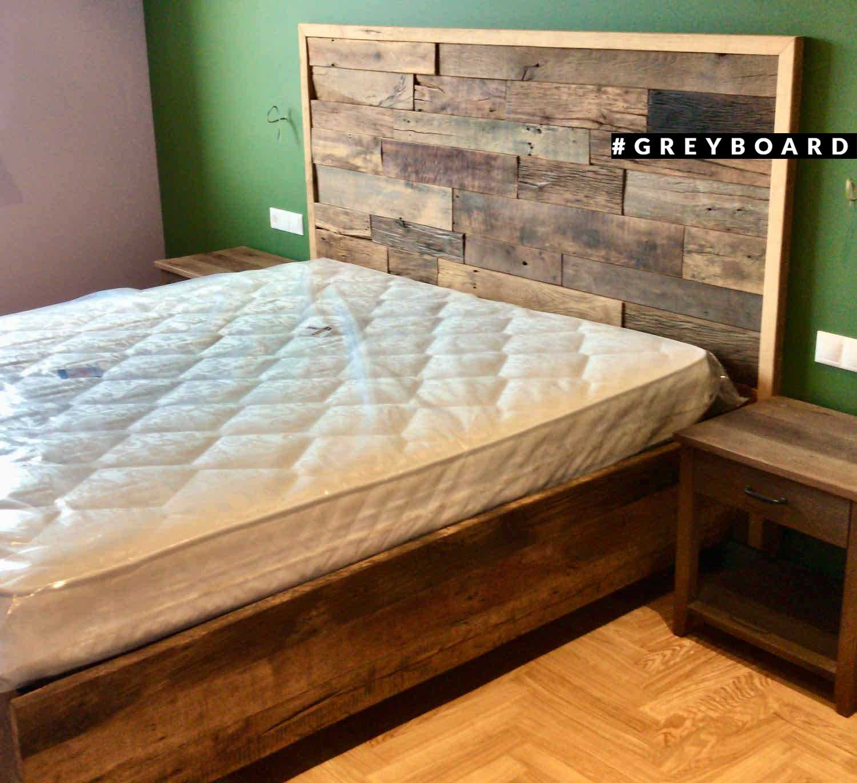 Кровать из амбарной доски в стиле лофт