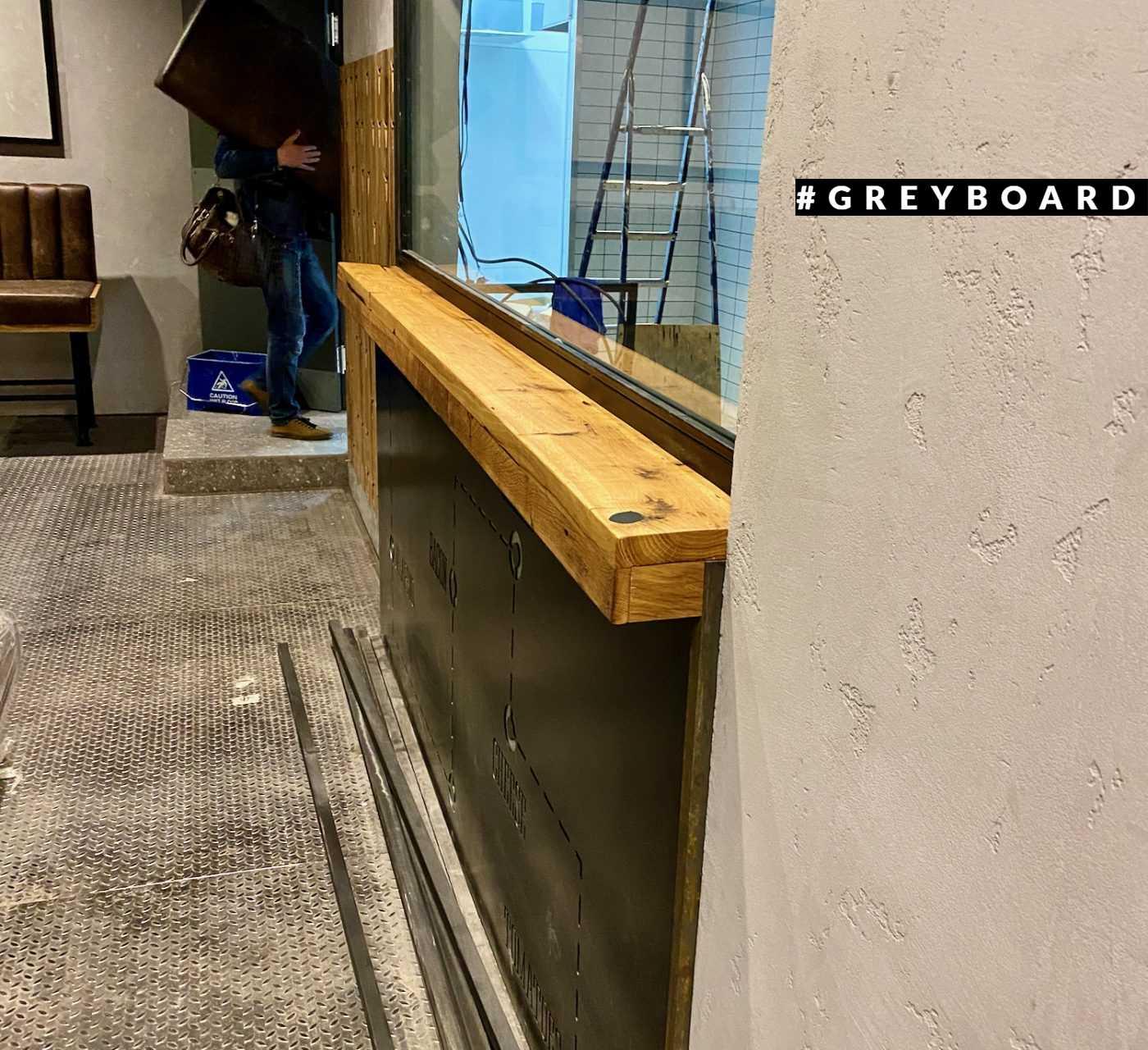 Угловая столешница из амбарной доски