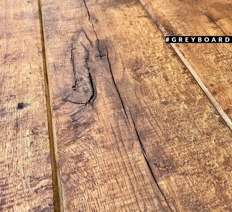 Столешница из фактурной старой доски