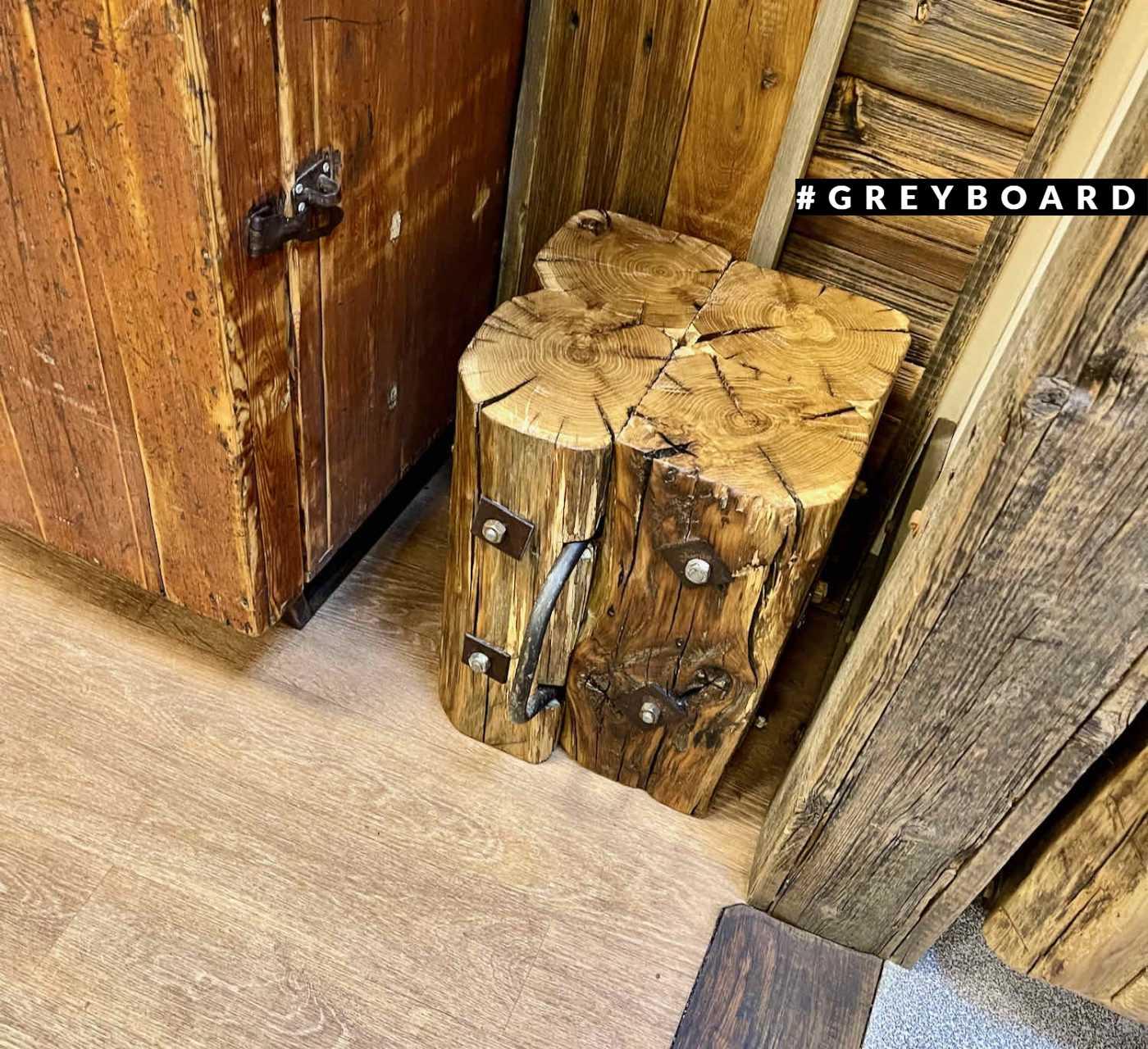 Пенек-табурет из амбарной доски в стиле лофт