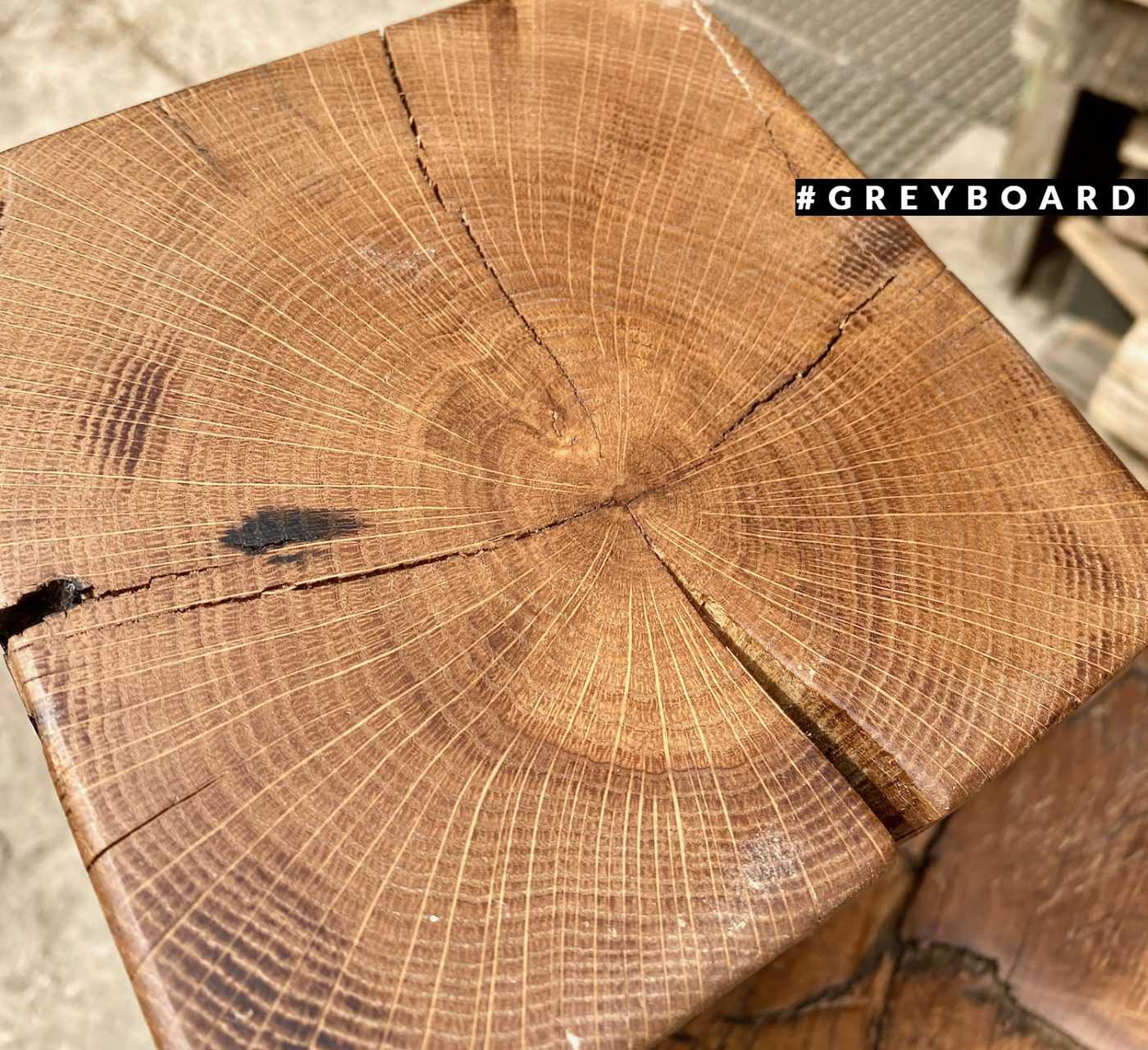 Старая дубовая балка