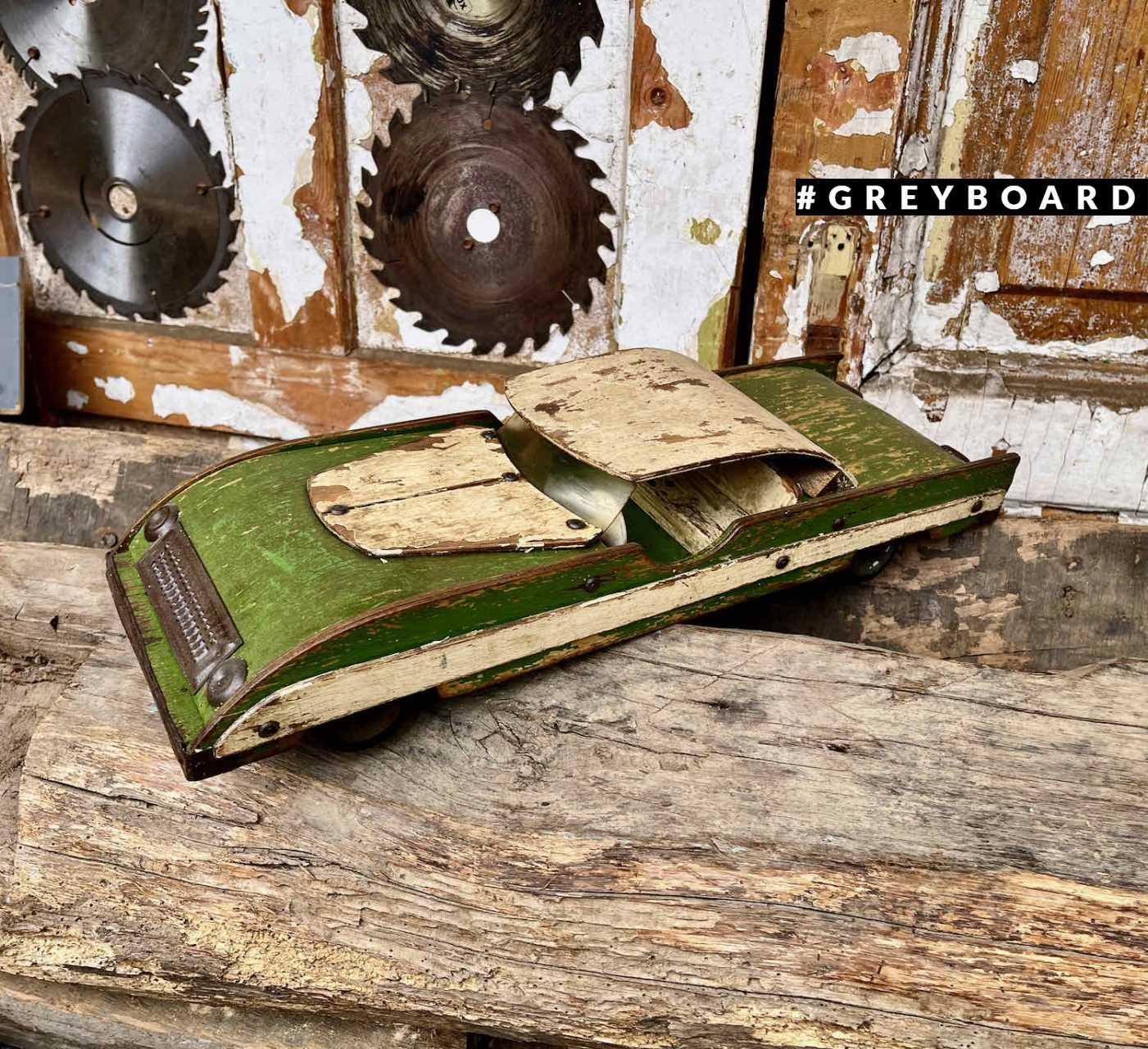 Старая фанерная машинка